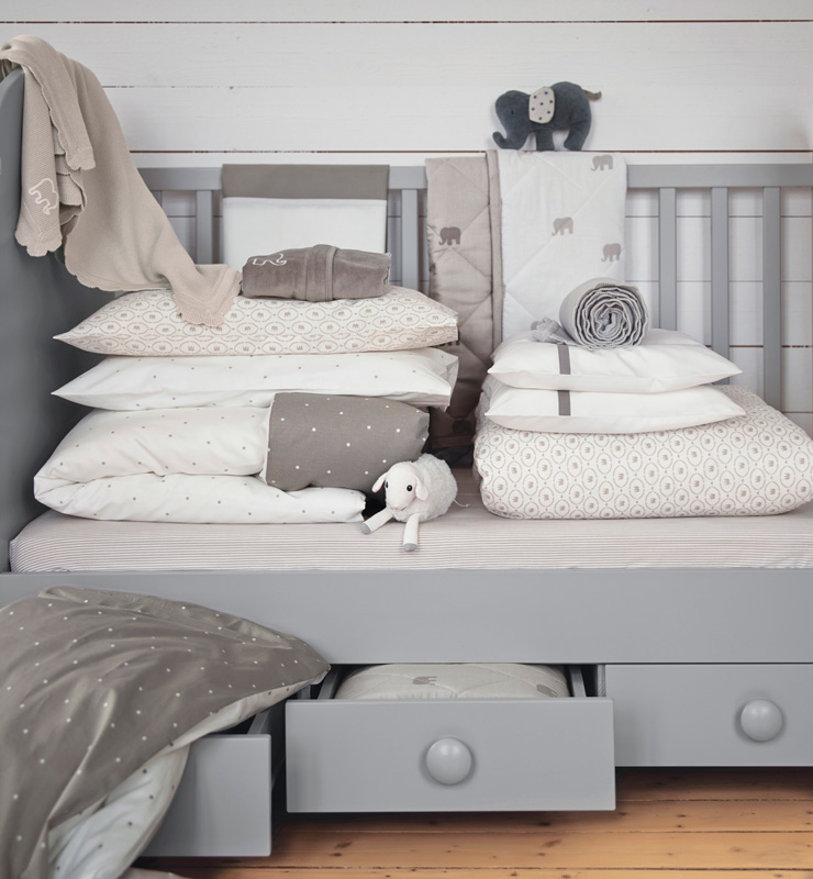 babyzimmer gestalten mit der neuen ikea baby kollektion. Black Bedroom Furniture Sets. Home Design Ideas