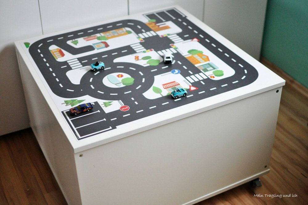 ikea kallax hack f r das kinderzimmer diy spieltisch mit. Black Bedroom Furniture Sets. Home Design Ideas