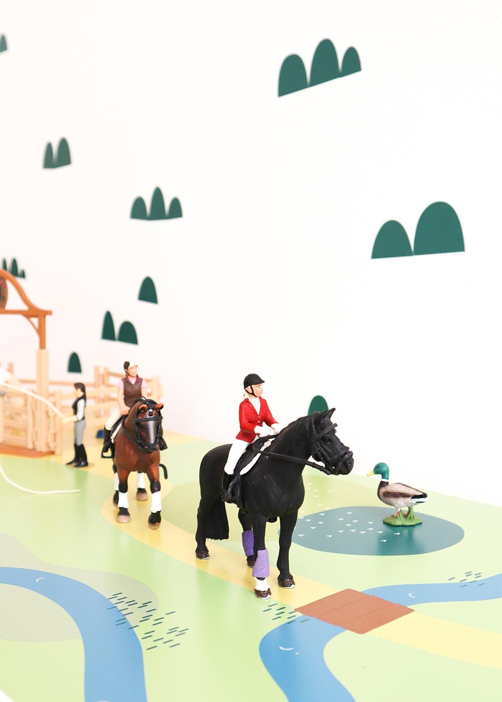 Ikea Kallax Regal Spielwiese 3fach Teilansicht Pferd