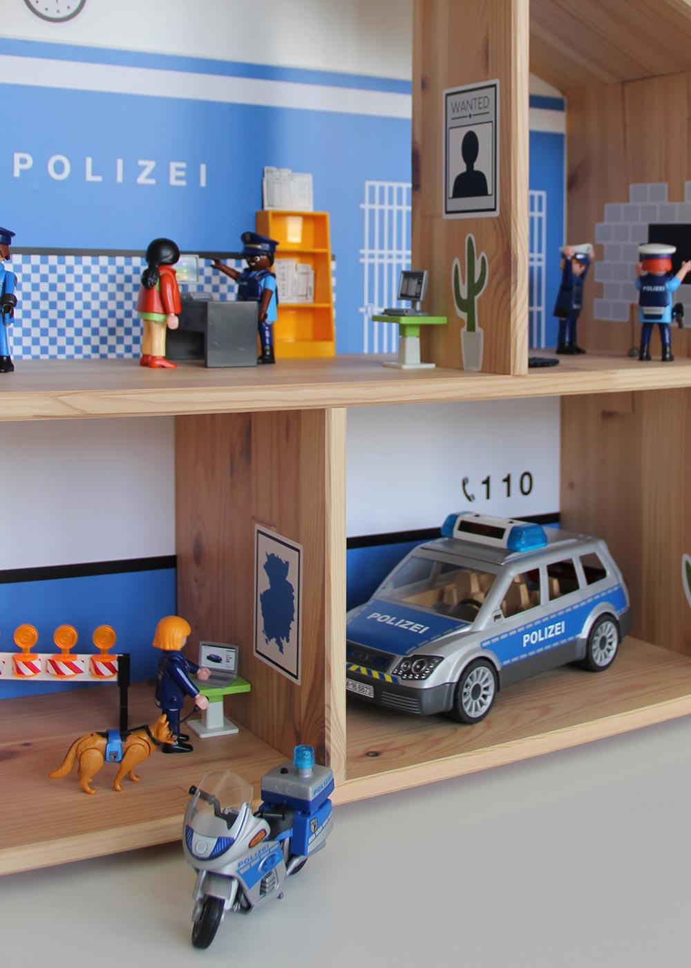 Ikea Flisat Puppenhaus Tapete Polizei Teilansicht Fahrzeuge