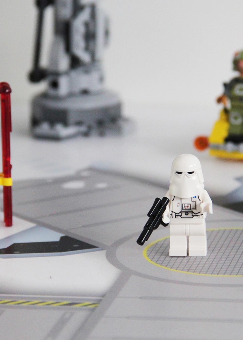 Ikea Lack Couchtisch Weltraum 55x90 Teilansicht Stormtrooper