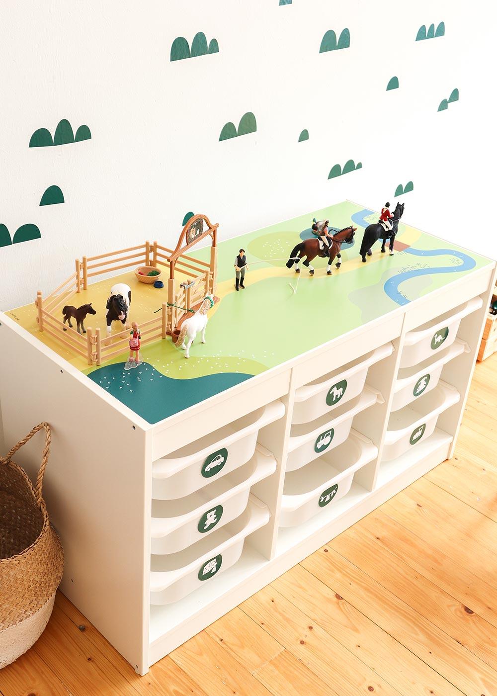 Ikea Trofast Regal Spielwiese Teilansicht mit Kulle
