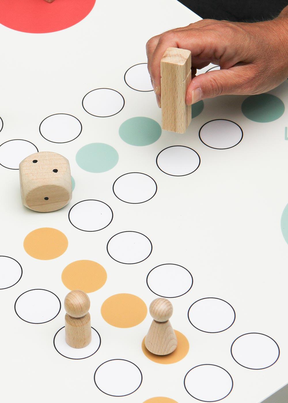 Ikea Lack Beistelltisch Würfelspiel XXL Teilansicht