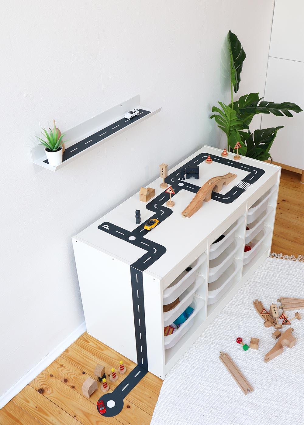 DIY Ikea Spieltisch Smastraat Vollansicht