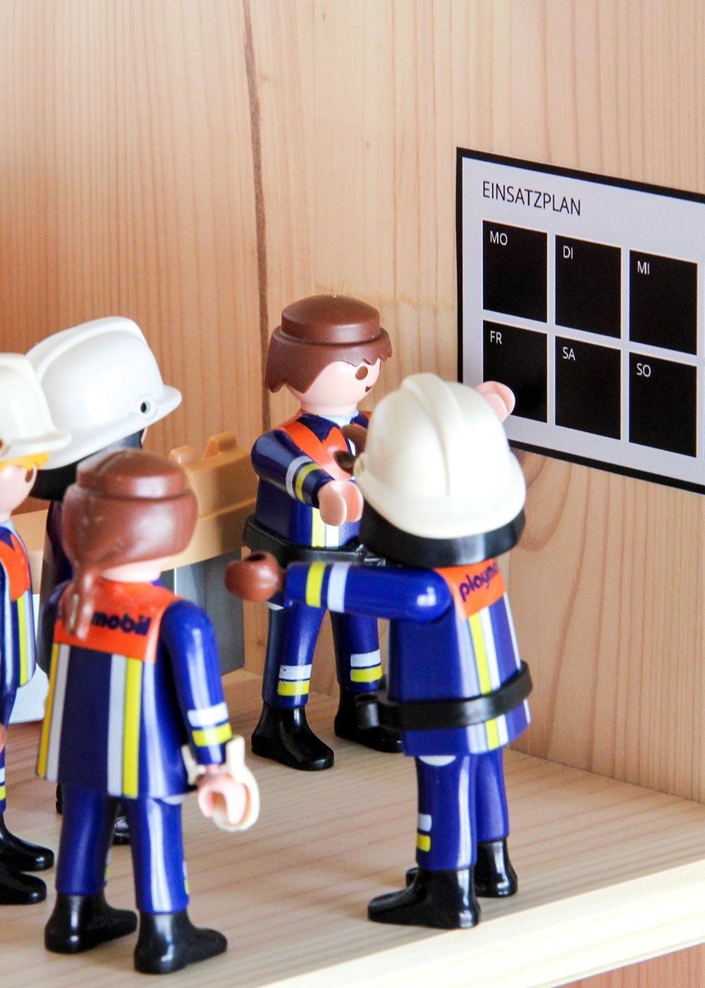 Ikea Flisat Puppenhaus Tapete Feuerwehr Meeting