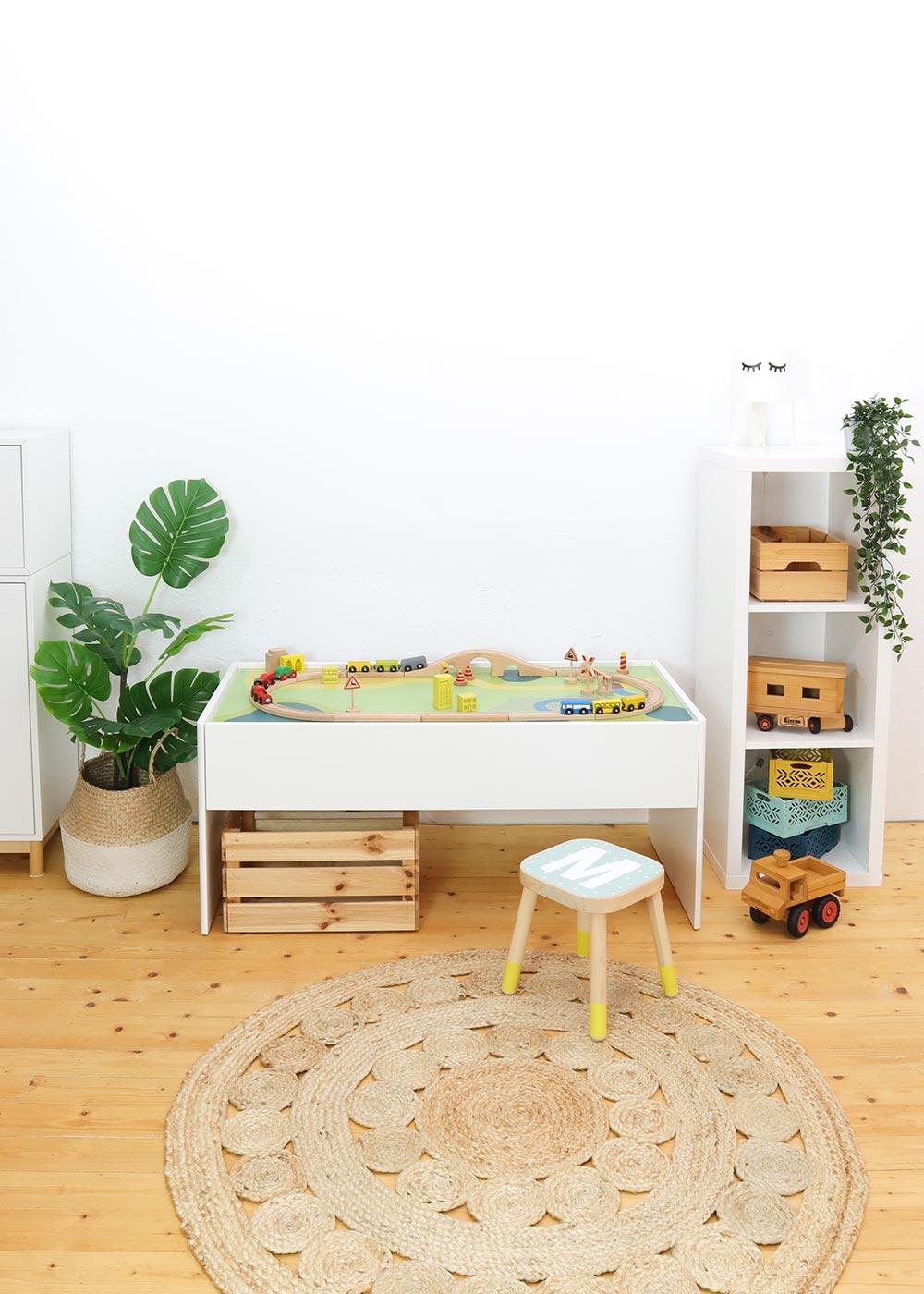 Ikea Dundra Spieltisch Spielwiese Frontansicht