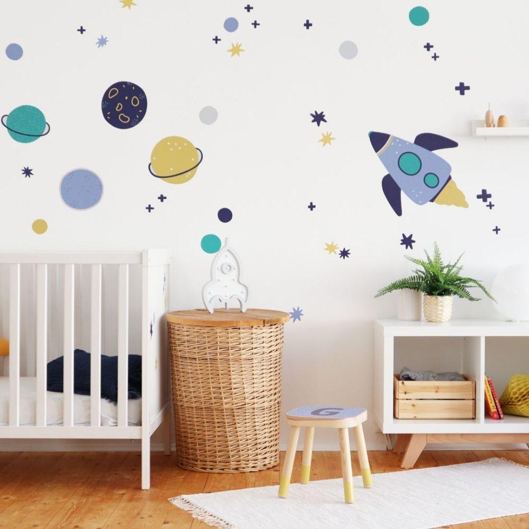 Babyzimmer Junge Weltraum Einrichtungsbeispiel