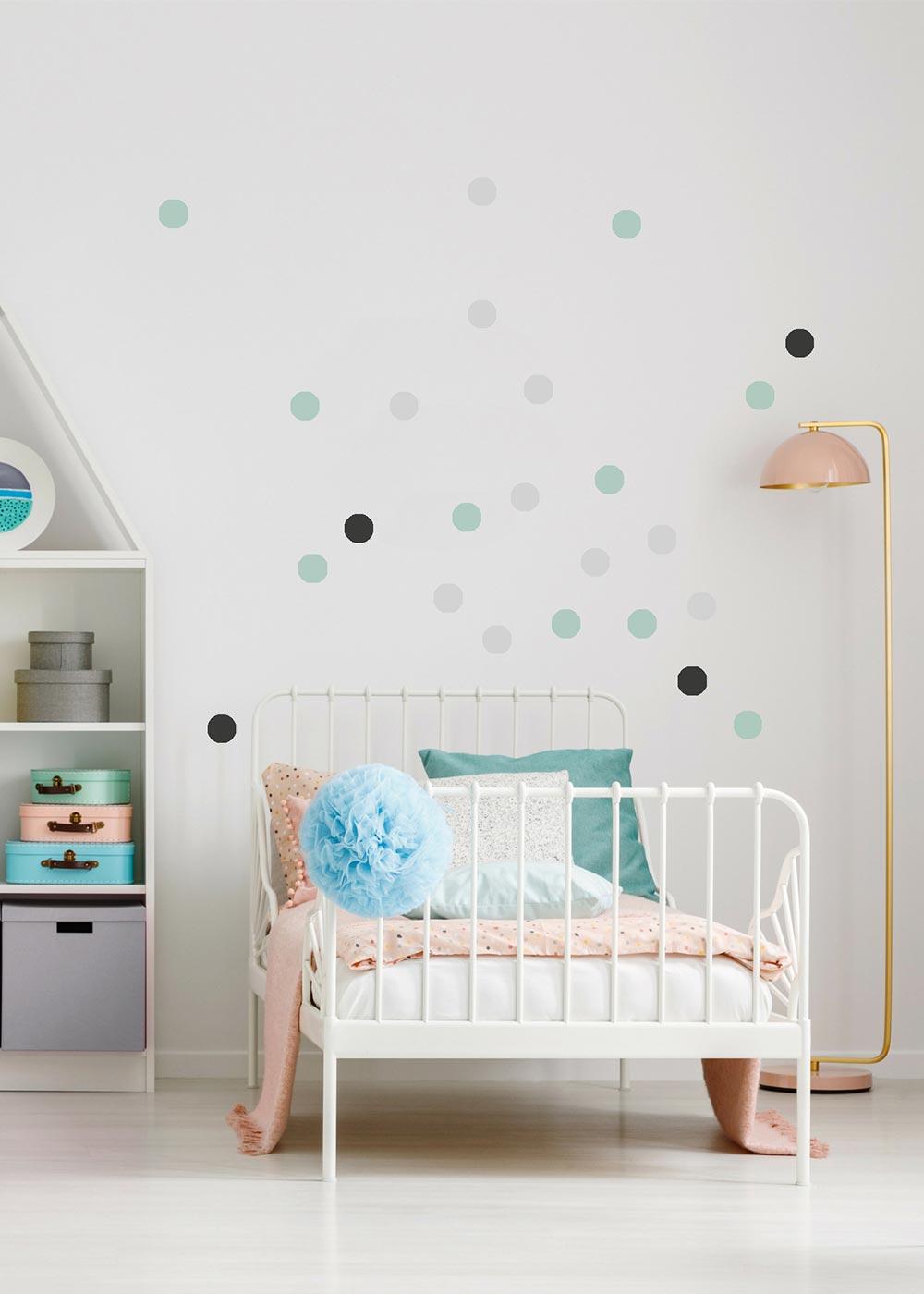 Stickerset Polka dots mint grau Beispiel mit Bett