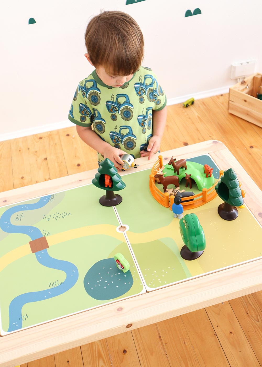 Ikea Flisat Kindertisch Spielwiese Teilansicht Wald