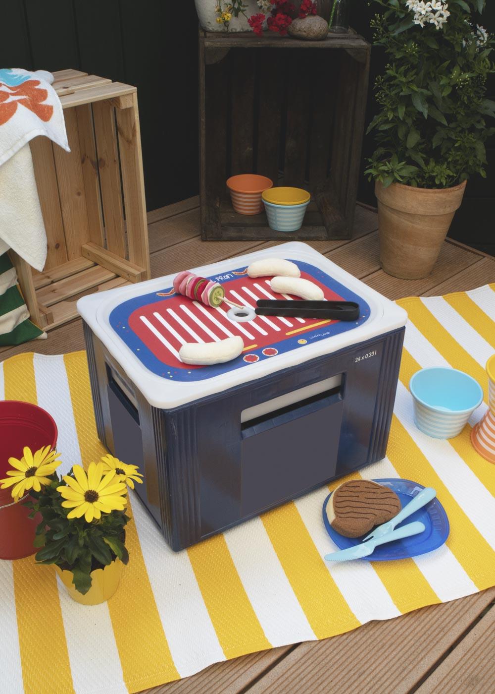 Ikea Trofast Box Kindergrill Feurig rot blau Teilansicht Getränkekasten