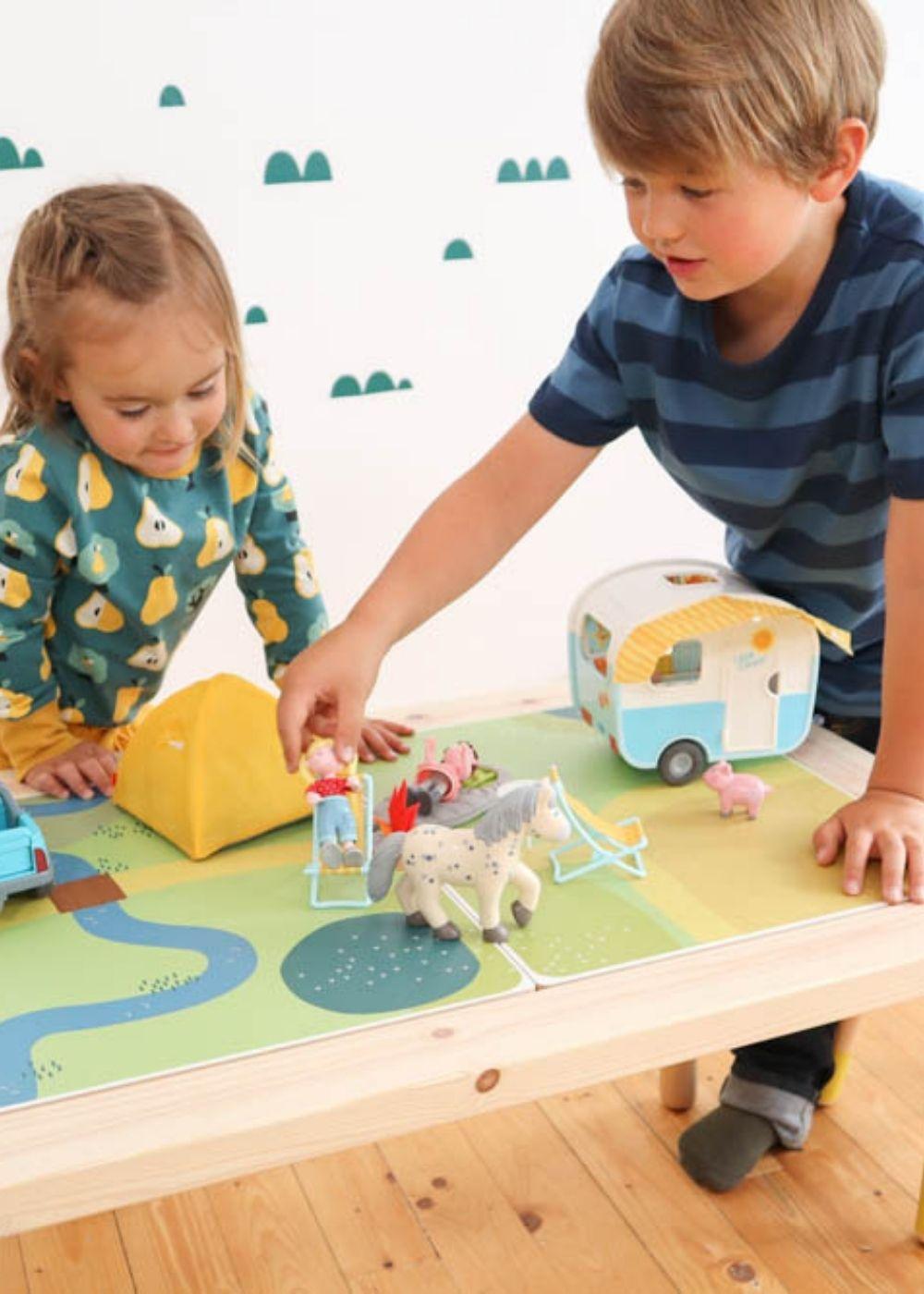 Kinderzimmer Montessori Spieltisch