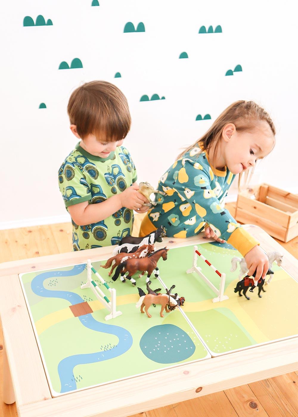 Ikea Flisat Kindertisch Spielwiese Teilansicht Kinder