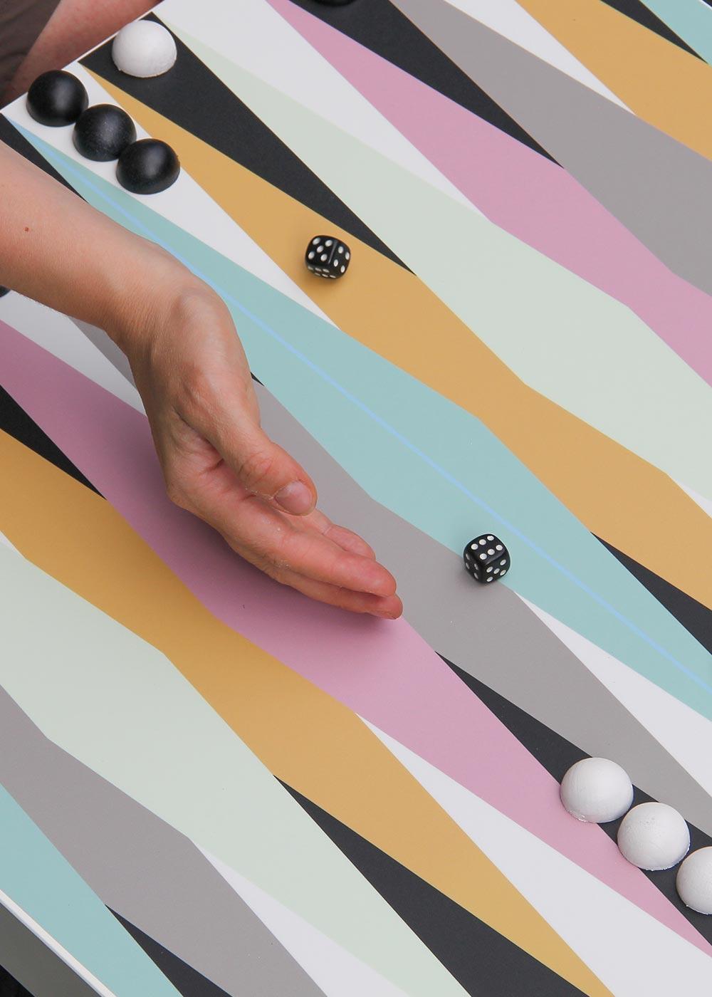 Ikea Lack Beistelltisch Backgammon XXL Teilansicht  Würfel