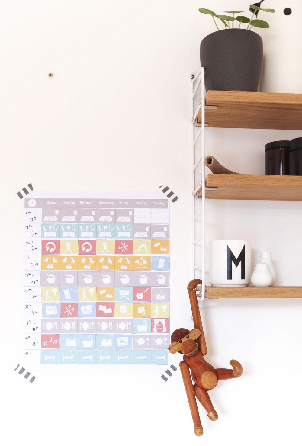Bastelset Wochenplan Kinder mit Symbolen an der Wand