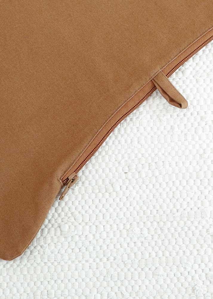 Antilop Kissenhülle Zimt Detail