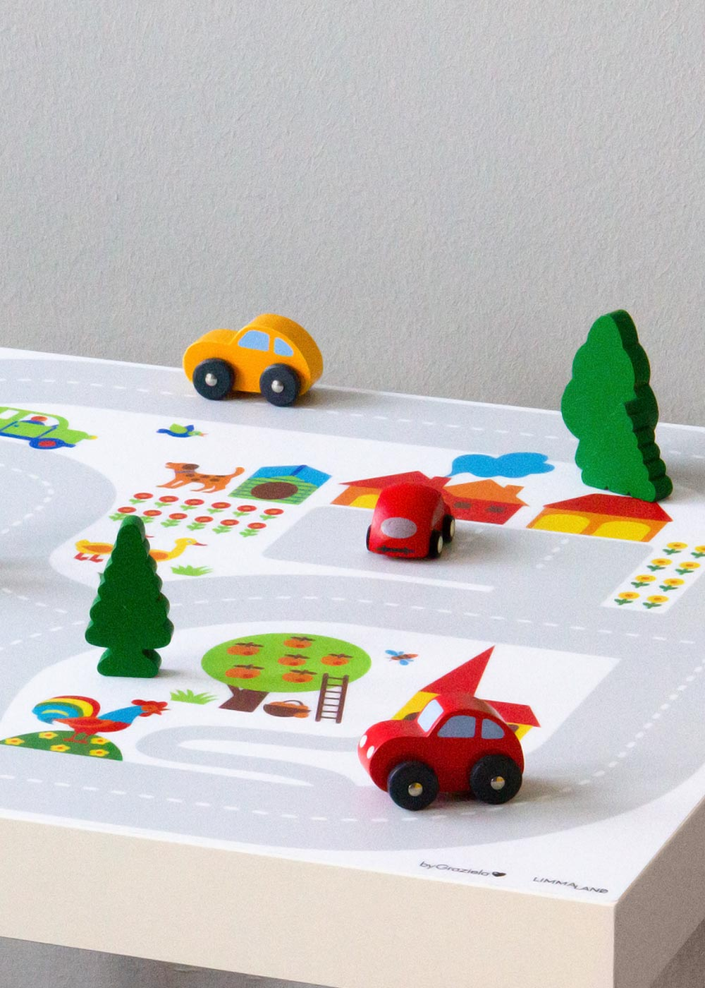 Ikea Smastad Bank ByGraziela Bauernhof Teilansicht mit Auto