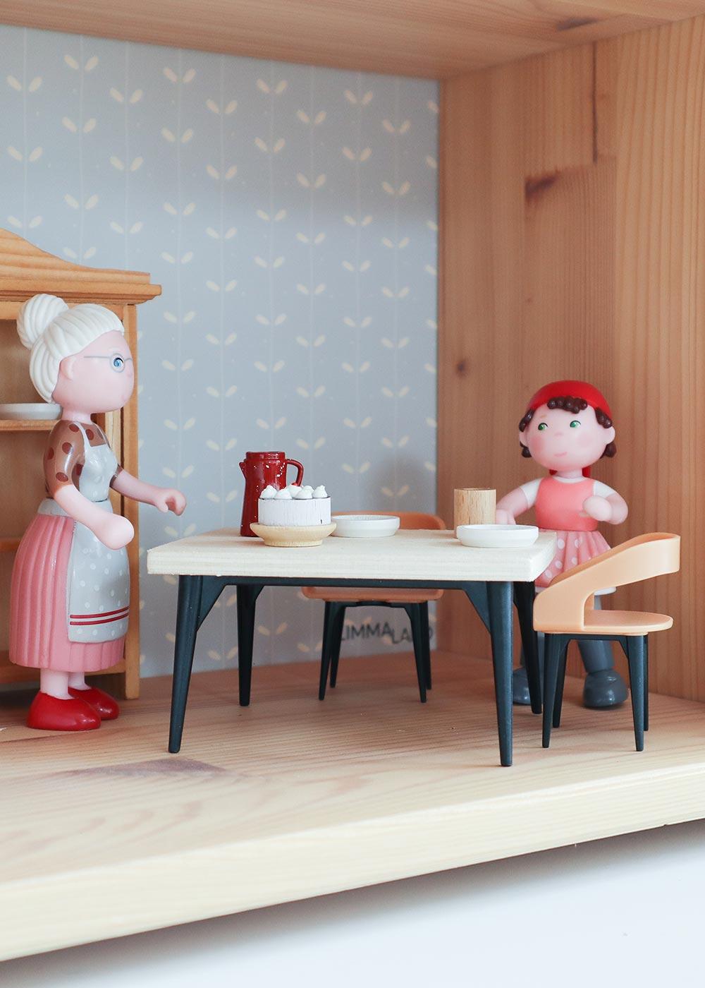 Ikea Flisat Puppenhaus Tapete Lille Stuba rosa camel Teilansicht Esszimmer