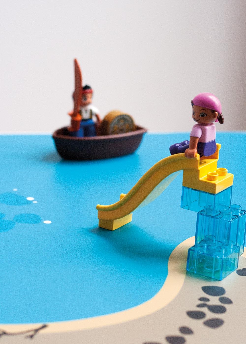 Ikea Lätt Kindertisch Wasserreich Teilansicht Rutsche