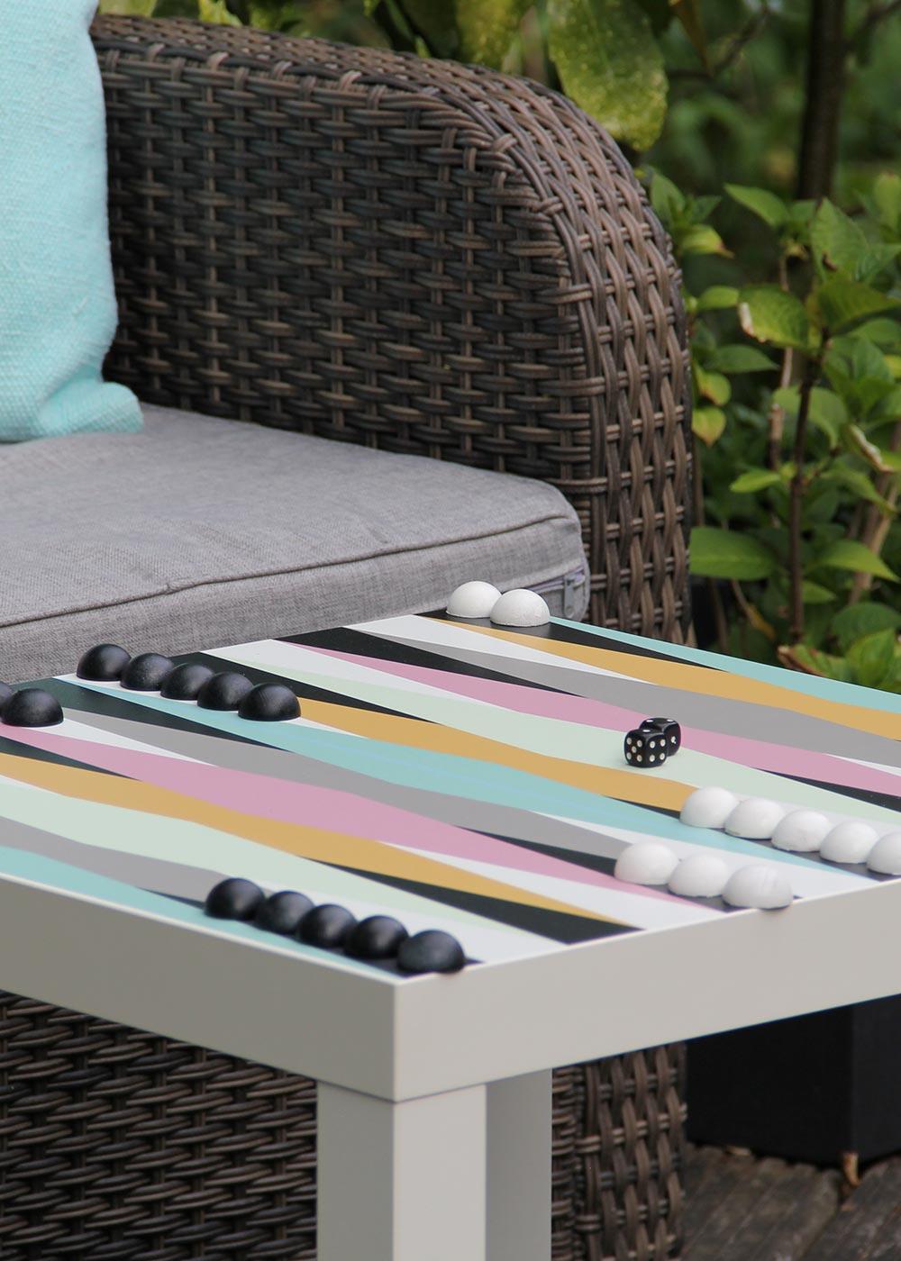 Ikea Lack Beistelltisch Backgammon XXL Teilansicht  Figuren