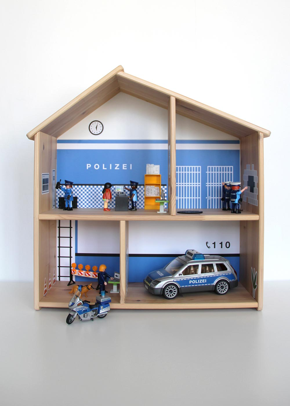 Ikea Flisat Puppenhaus Tapete Polizei Komplettansicht