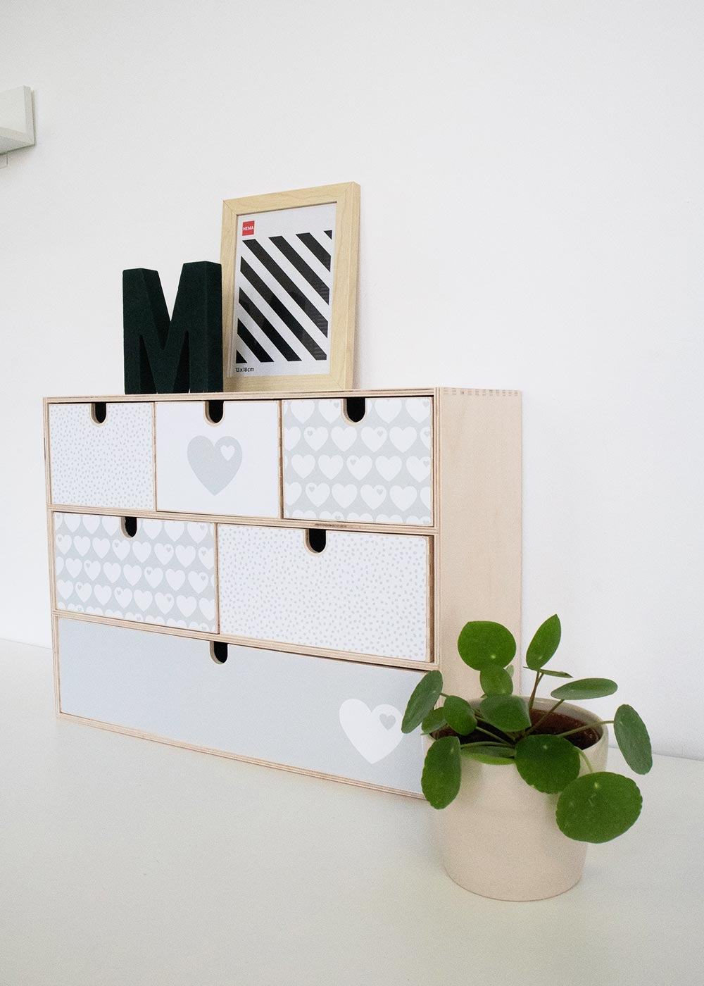 Klebefolie Ikea Moppe ByGraziela grau Herz Seitenansicht