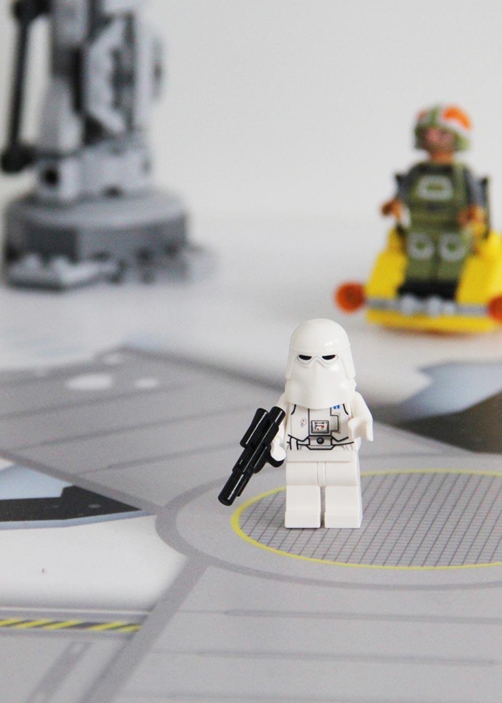 Ikea Kallax Regal Weltraum 3fach Teilansicht Stormtrooper