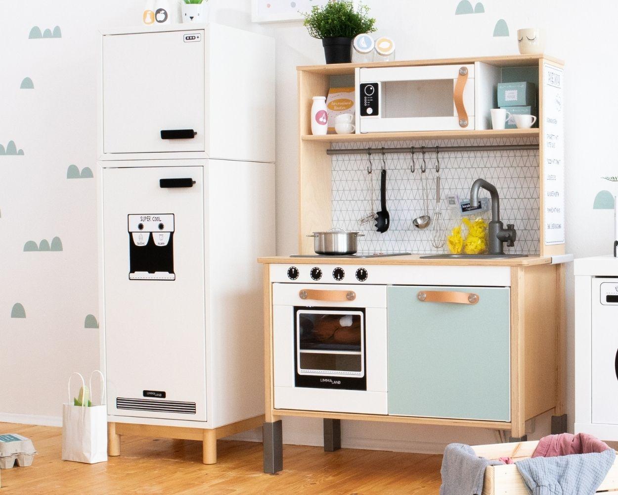 Kinderküche Klebefolie Einrichtungsbeispiel