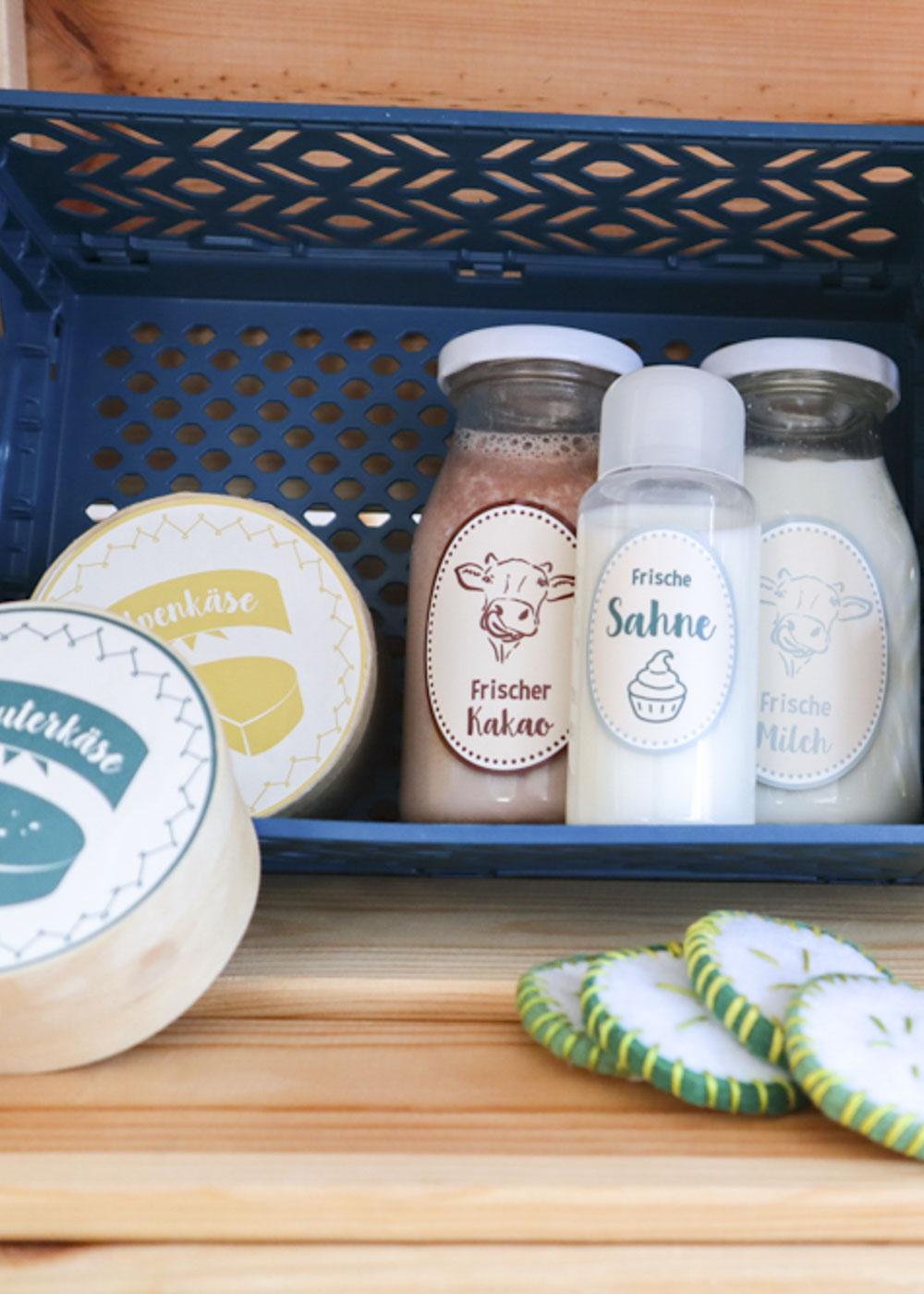 Stickerset Kinderküche Kaufladen Zubehör Läcker Käse und Flaschen