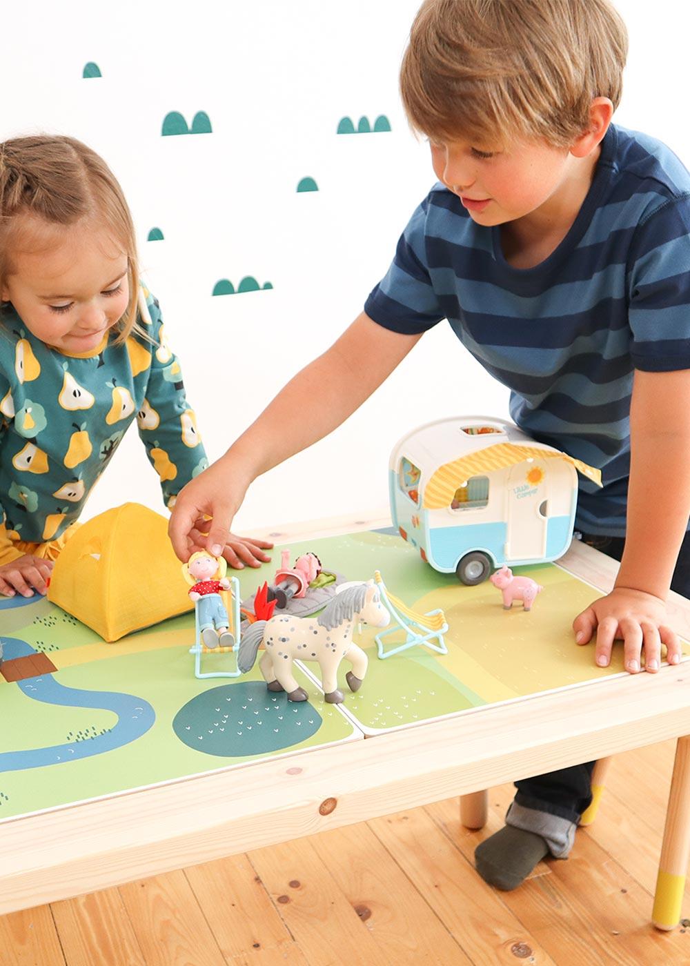 Ikea Flisat Kindertisch Spielwiese Teilansicht Spiel
