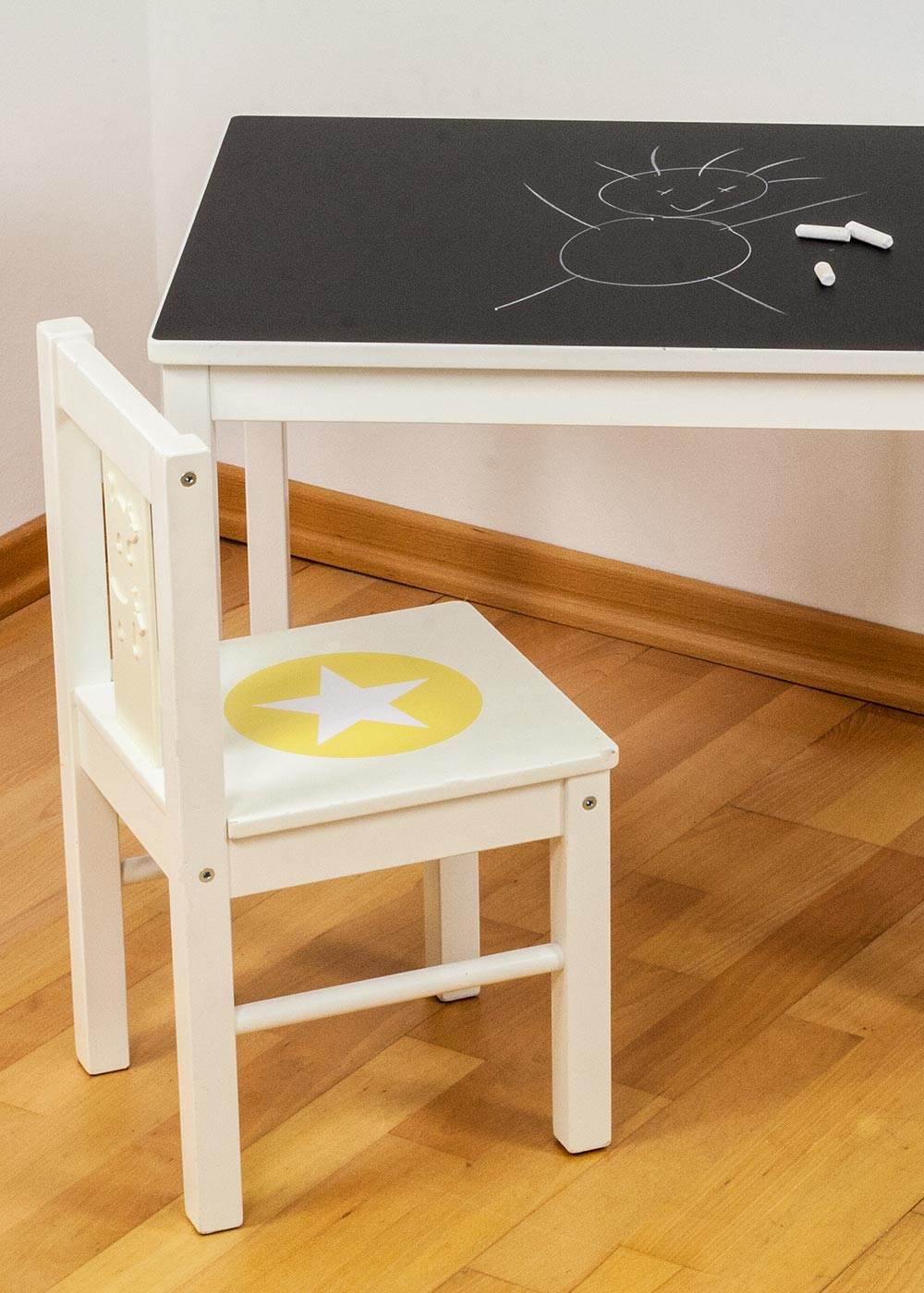 Ikea Kritter Kindertisch Ideenreich Tafelfolie  Detailansicht Stuhl