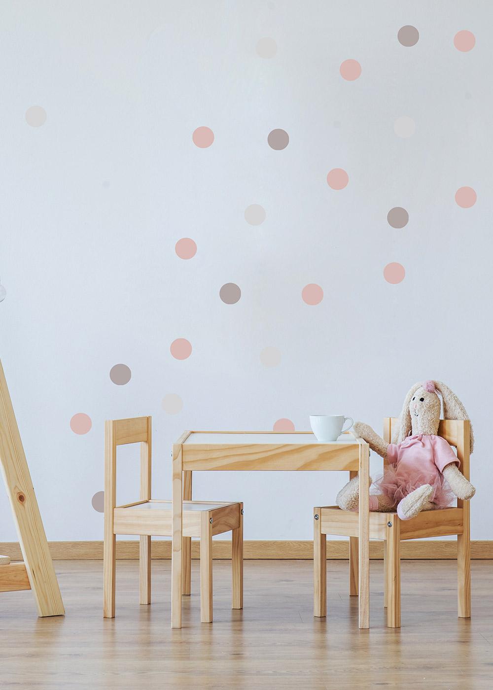 Wandsticker Polka Dots rosa grau Beispiel mit Sitzecke